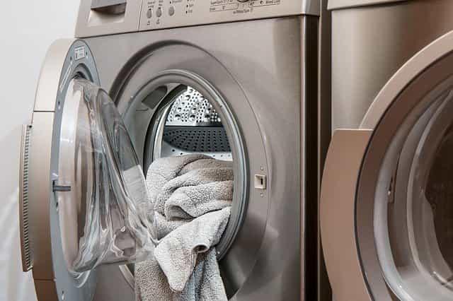 Cómo lavar y guardar tu albornoz o bata